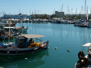 Port w Heraklione, przy weneckiej twierdzy.