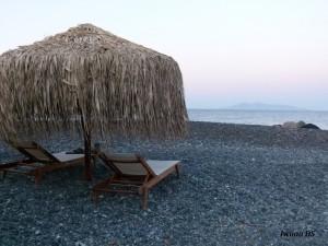 santorini kamari black beach